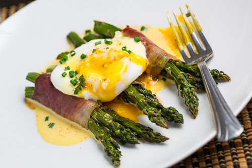 Roasted Asparagus with Poached Eggs and Hollandaise